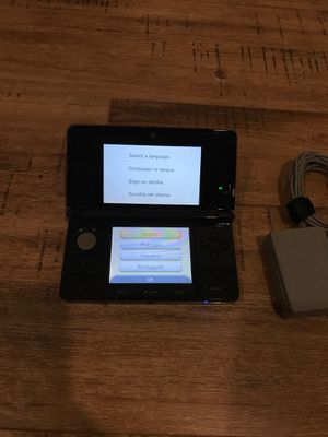 Nintendo 3DS , SD card 2GB, with 2 chargers (1 car) for Sale in Herndon, VA