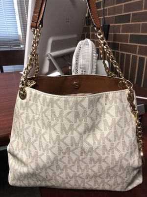 Michael Kors purse for Sale in Wethersfield, CT