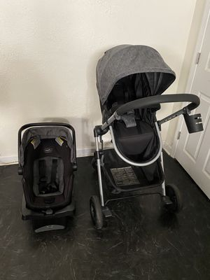 Car seat and stroller for Sale in Halethorpe, MD