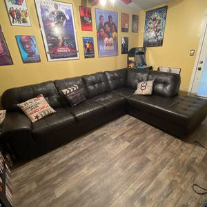Free Couch for Sale in Stone Mountain, GA