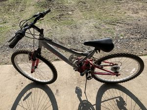 Womens Huffy mountain bike for Sale in Kingsburg, CA