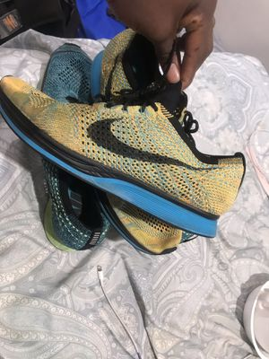 Nike flynits Both for 50$ for Sale in Fairfax, VA