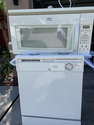 Whirlpool Dishwasher and Microwave COMBO DEAL! for Sale in Mulberry, FL