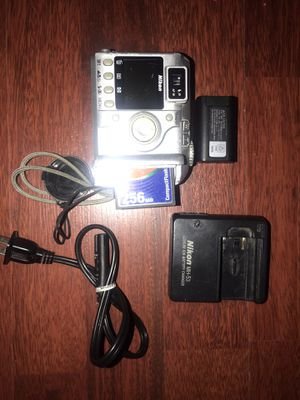 Nikon Coolpix 4300 Digital Camera with Charger and cord for Sale in Brooklyn, NY