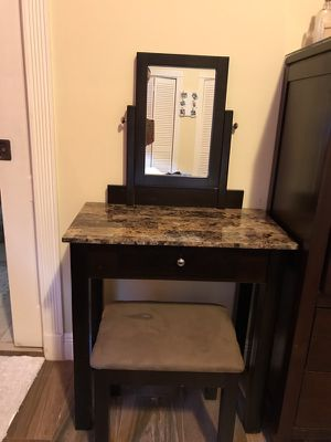 Vanity for Sale in Miami, FL