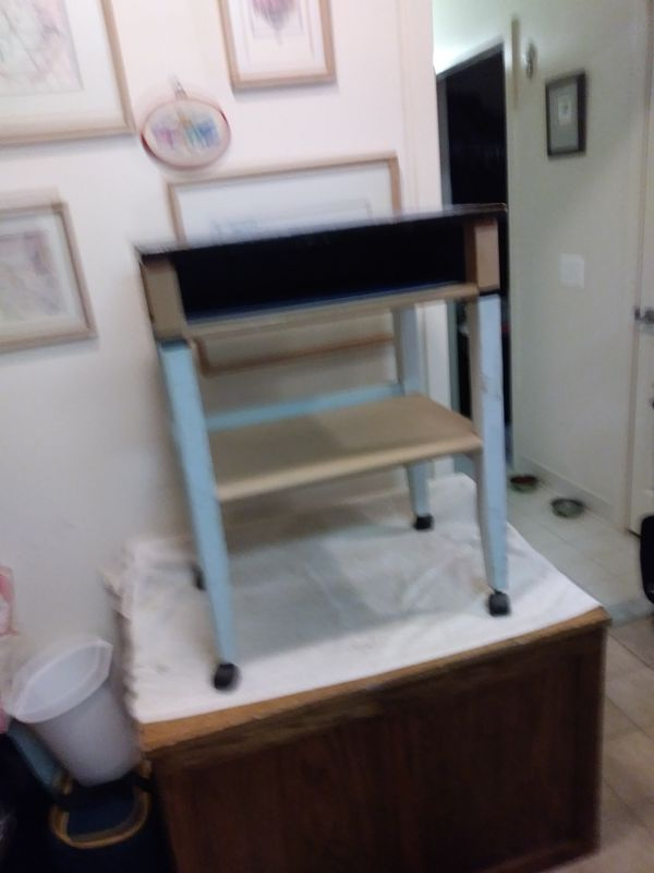 Bed side table or end table, it different looking but nice
