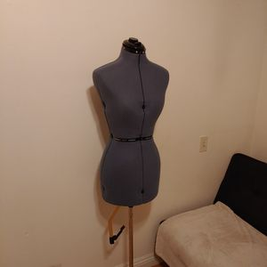 Resizable Dress Form Mannequin for Sale in South Pasadena, CA