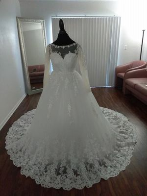 Brand new and affordable wedding dress for Sale in Hialeah, FL