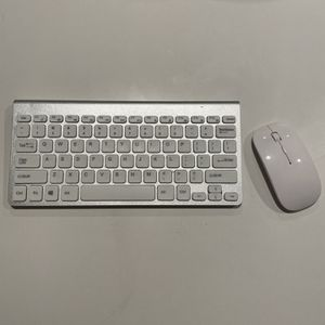 White Wireless Keyboard And Mouse for Sale in Coronado, CA