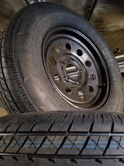 St205/75r15 5 lug trailer tire wheel assemblies for Sale in Irwindale,  CA