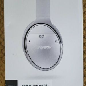 Brand New Silver Bose QuietComfort 35 II for Sale in Fort Lauderdale, FL