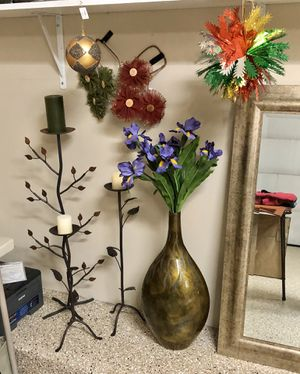 Vase and Candle Holders $20 each for Sale in IL, US