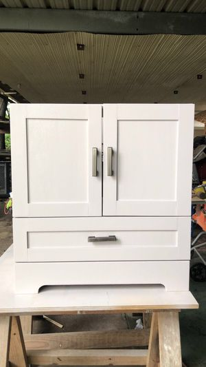 Restroom sink cabinet for Sale in Houston, TX