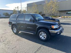 Toyota 4Runner 2000 clean title for Sale in Anaheim, CA