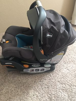 Chicco keyfit 30 zip air infant car seat for Sale in Bakersfield, CA