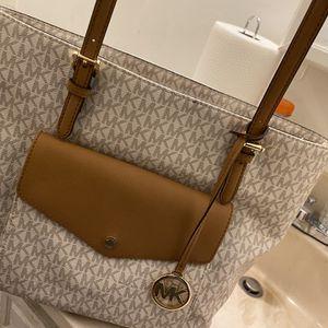 Michael Kors Tote Bag for Sale in Lorain, OH