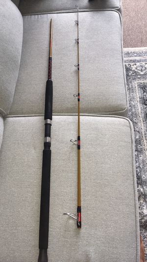FISHING ROD/REEL COMBO for Sale in Lawrence, MA