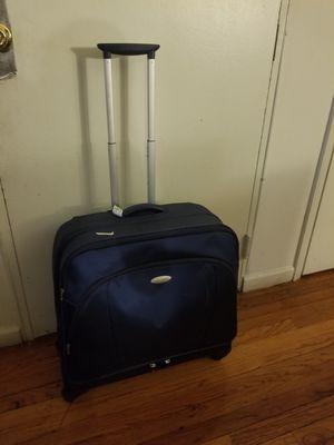 Maleta luggage suitcase for Sale in New Brunswick, NJ