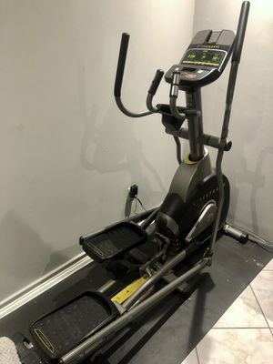 LIVESTRONG ELLIPTICAL for Sale in Miami, FL