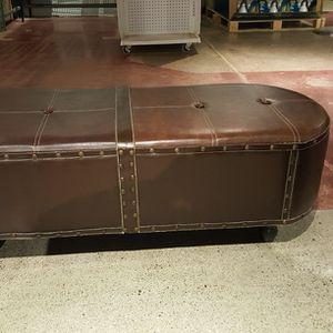 Oval Faux Leather Ottoman for Sale in Auburn, WA