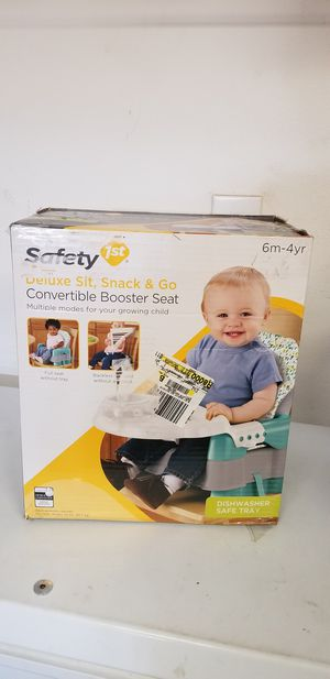New safefit convertible booster seat for Sale in Riverside, CA