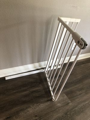 Baby safety gate for Sale in Fullerton, CA