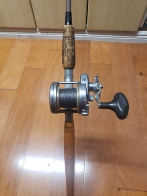 Shimano torium 20 conventional saltwater fishing reel and boat rod set up for Sale in Tamarac, FL