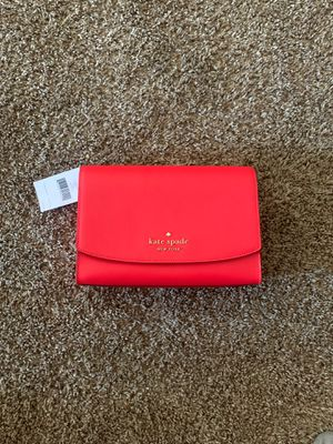Kate spade convertible crossbody purse for Sale in Las Vegas, NV