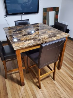 Dining room table and 4 chairs for Sale in Ballwin, MO
