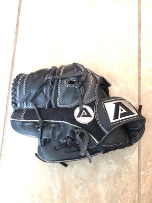 Akadema ADU135 Lefty 12 inch baseball glove for Sale in Pinellas Park, FL