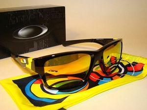 Oakley Júpiter sunglasses for Sale in Chillum, MD