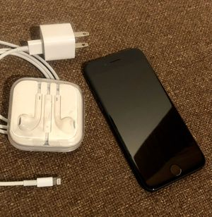 FACTORY UNLOCKED iPhone 7 Black 32GB Like-New Condition w/ EarPods Adapter for Sale in Seattle, WA