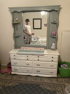 Dresser With Mirror 4 Sale for Sale in Fort Worth, TX