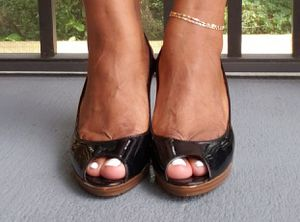 Women Black Heels Size 9 for Sale in TEMPLE TERR, FL