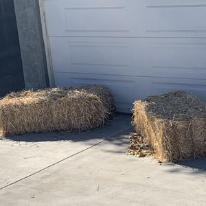 Free Hay for Sale in Fontana, CA