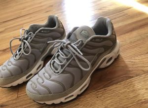Nike air max plus women's sneaker size 8 for Sale in Manchester, CT