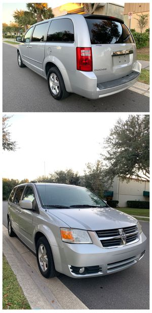 2010 Dodge Grand Caravan SXT for Sale in Orlando, FL