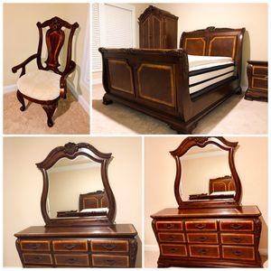 Master queen bedroom set for Sale in Alpharetta, GA