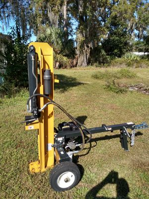 Log splitter, 25-ton. County line for Sale in Bayonet Point, FL