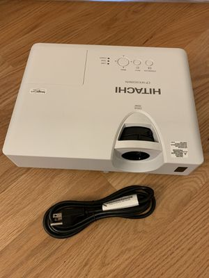 Hitachi HD Wide Projector with HDMI for Sale in Des Plaines, IL