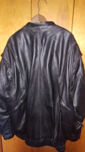 Men's insulated leather jacket for Sale in Dundee, MI