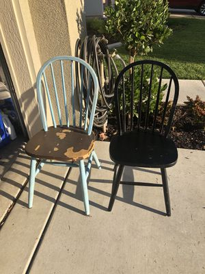 6 Chairs for anyone who wants to paint or redo them! for Sale in Oakley, CA