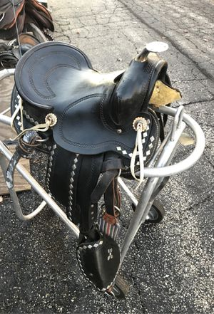 Kids western pony saddle ( horse trailer shoes cow English for Sale in Bolingbrook, IL