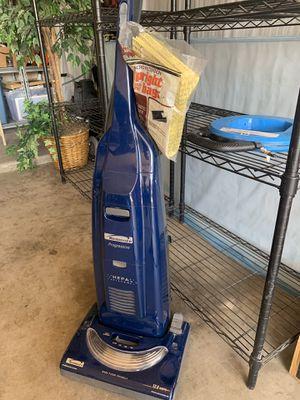 Kenmore vacuum for Sale in Glendale, AZ