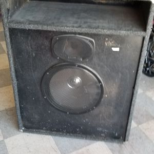 Amp /speaker Large for Sale in Huntington Beach, CA