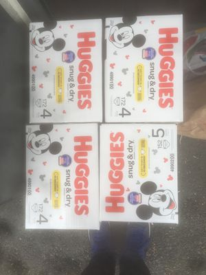 Huggins Snug and dry diapers for Sale in Seattle, WA
