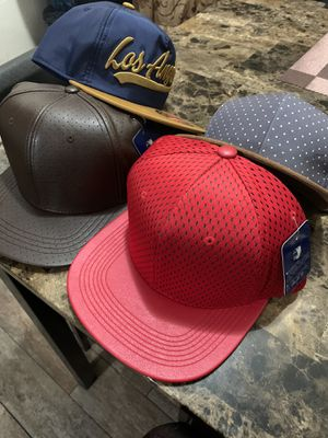 Bonitas gorras diseñadas de buen material for Sale in Huntington Park, CA