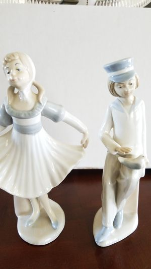 Vintage Castills Porcelain figurines for Sale in Seal Beach, CA