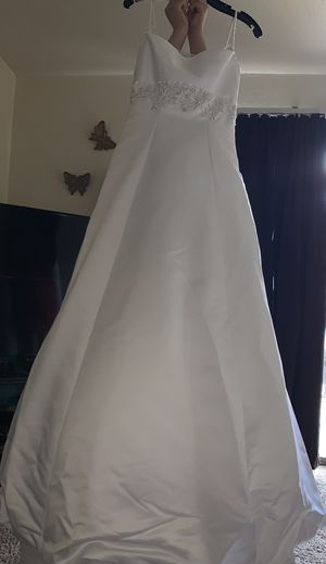 Wedding dress size 8 for Sale in Houston, TX
