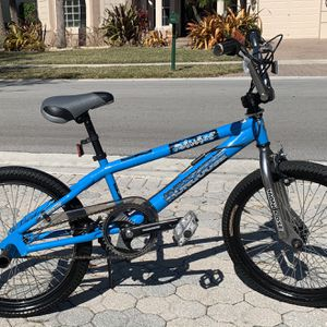 Mongoose Ravage Freestyle BMX 20 boys bicycle for Sale in West Palm Beach, FL